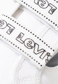 Levi's® - TIJUANA - Sneakers laag - brilliant white - 2