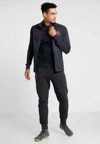 Nike Performance - PARIS ST GERMAIN DRY  - Klubbkläder - oil grey/obsidian/university red - 1
