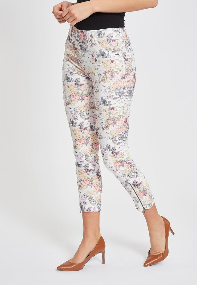 MADISON SLIM IM CROPPED-SCHNITT - Trousers - pink