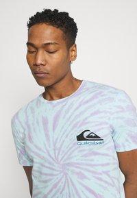Quiksilver - SLOW LIGHT - Print T-shirt - blue tint - 3