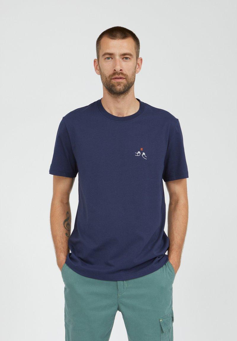 ARMEDANGELS - T-shirt basic - light pacific ink