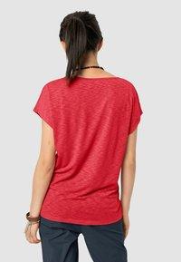 Jack Wolfskin - TRAVEL T W - Basic T-shirt - tulip red - 1