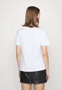 River Island - T-shirt con stampa - white - 2