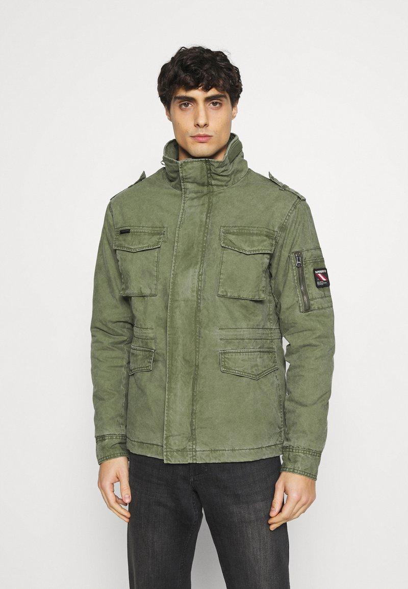 Superdry - CLASSIC ROOKIE JACKET - Light jacket - army