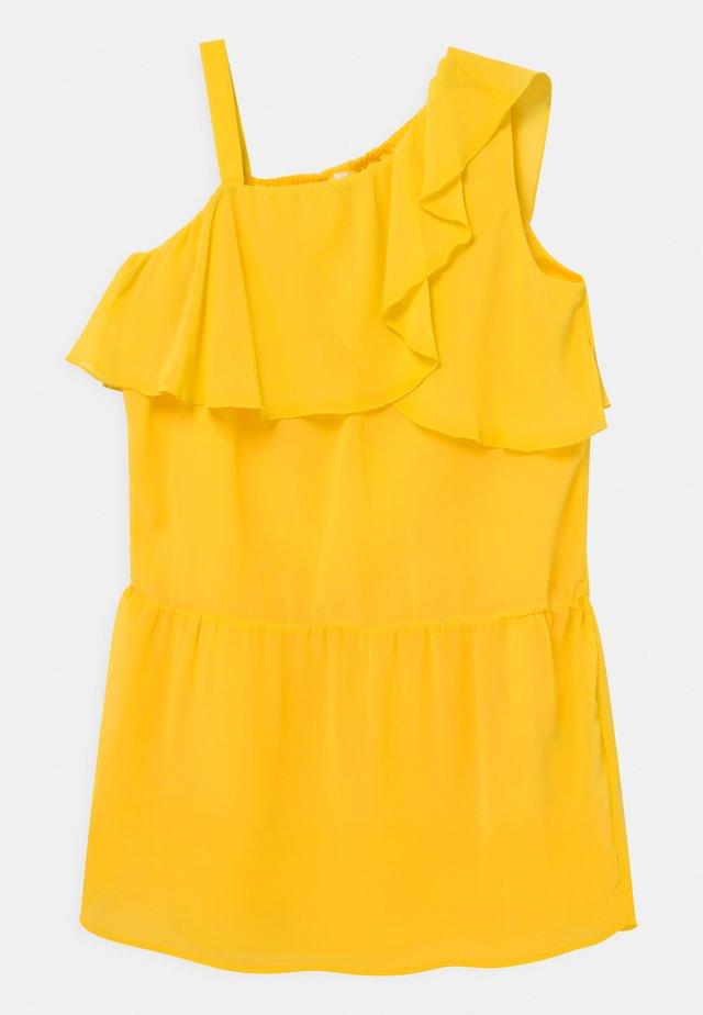 NKFBEMERLE - Vestito elegante - primrose yellow