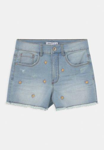NKFBECKY   - Denim shorts - light blue denim