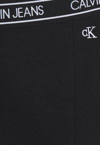 Calvin Klein Jeans - ELASTIC LOGO WAISTBAND SKIRT - Minisukně - black - 2