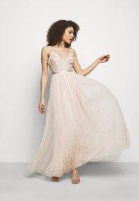 Needle & Thread - EMMA DITSY BODICE CAMI MAXI DRESS - Společenské šaty - strawberry icing - 1