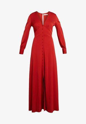 Společenské šaty - red clay