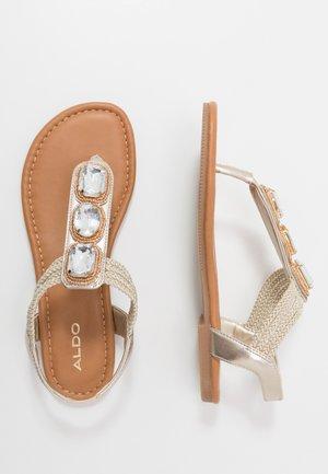 AVGUSTA - Sandály s odděleným palcem - champagne