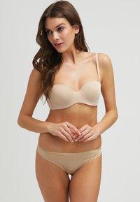 Etam - LOVELY PURE FIT - Multiway / Strapless bra - natural - 1