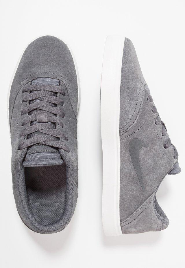 CHECK - Sneaker low - dark grey/black/summit white