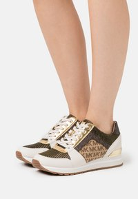 MICHAEL Michael Kors - BILLIE TRAINER - Zapatillas - cream/multicolor - 0