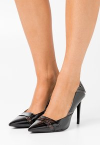 Laura Biagiotti - High heels - black - 0