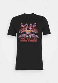 Versace Jeans Couture - MARK - Camiseta estampada - black - 5