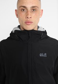 Jack Wolfskin - STORMY POINT JACKET  - Waterproof jacket - black - 7