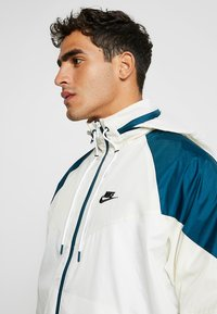 Nike Sportswear - Summer jacket - light cream/nightshade - 4