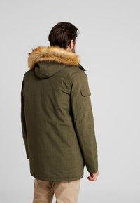 Hi-Tec - HERSHEL - Zimní kabát - olive night - 2