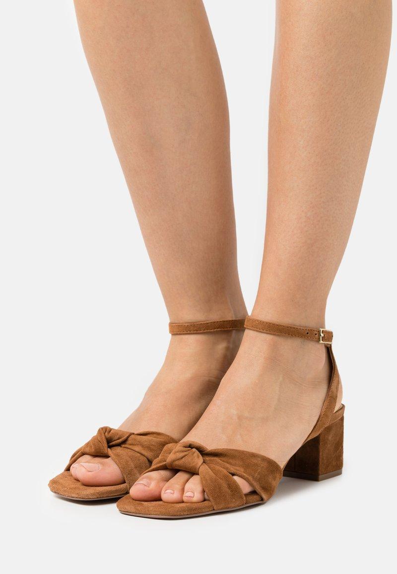 Zign - Sandals - cognac