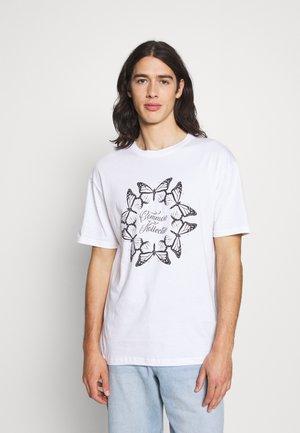 BUTTERFLY CIRCLE UNISEX - Print T-shirt - white