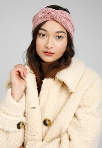 Even&Odd - Ear warmers - rose - 1
