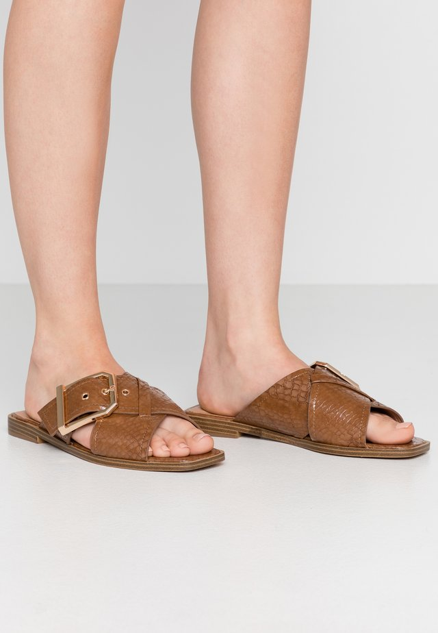 PORTO BUCKLE  - Mules - tan