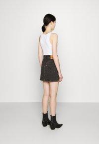 Levi's® - RIBCAGE SKIRT - Spódnica mini - washed noir black - 2