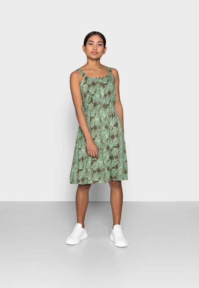NMFLORA STRAP DRESS PETITE - Vestido informal - kalamata/green ash