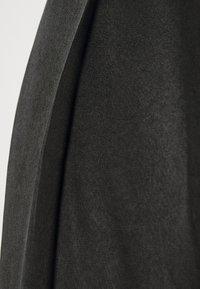 Glamorous Tall - LADIES TROUSERS  - Trousers - black sateen - 2