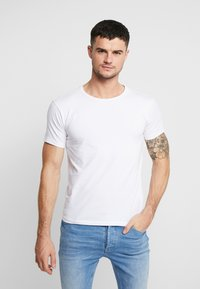 Carlo Colucci - CREW NECK 2 PACK - Basic T-shirt - weiss - 1