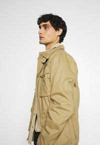 Schott - REDWOOD - Summer jacket - sand - 4