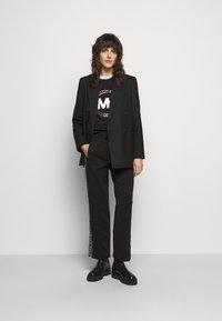 MICHAEL Michael Kors - CHAIN LOGO - Sweatshirt - black/silver - 1