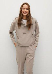 Mango - FLORIDA - Teplákové kalhoty - gris claro/pastel - 3