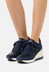 Dune London - EILAS - Sneakers laag - navy - 0