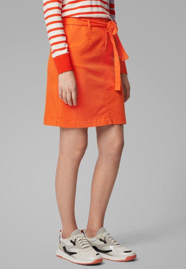 BRIELLA-D - Jupe trapèze - orange