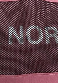 The North Face - Camiseta estampada - mesa rose - 9