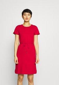 Tommy Hilfiger - COOL SHORT DRESS - Kjole - primary red - 0