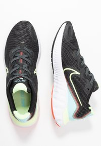 Nike Performance - RENEW RUN - Obuwie do biegania treningowe - black/barely volt/glacier ice - 1