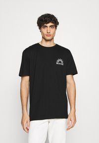 Selected Homme - SLHRELAXEDMILO ONECK TEE - Print T-shirt - black - 2