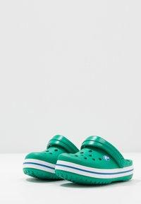 Crocs - CROCBAND - Pool slides - deep green/prep blue - 3