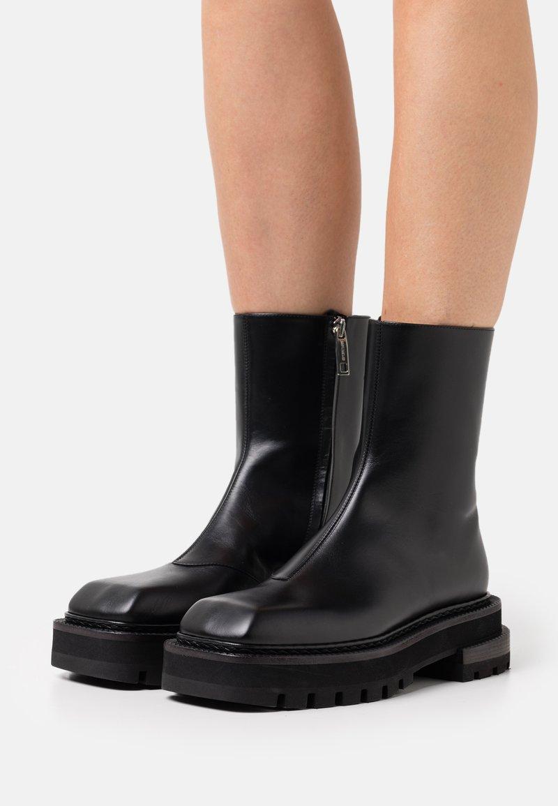 Sportmax - RETINA BOOT - Platform ankle boots - nero