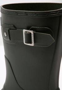 Hunter ORIGINAL - ORIGINAL SHORT - Wellies - dark olive - 5