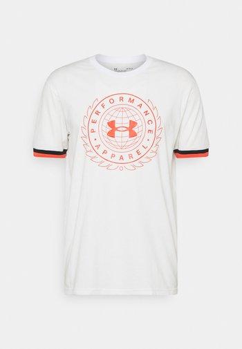 CREST  - T-shirts med print - onyx white