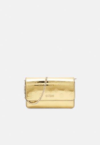 WALK OF FAME MINI XBODY FLAP - Across body bag - gold