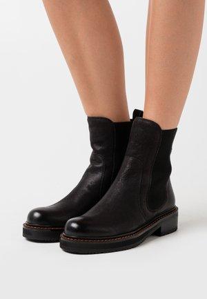 ARVENSIS - Støvletter - black