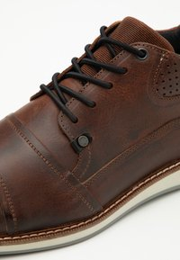 Bullboxer - Casual lace-ups - brown - 5