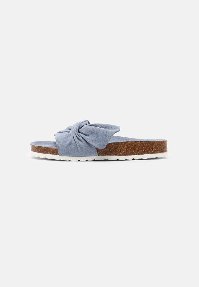 Pantofle - light blue