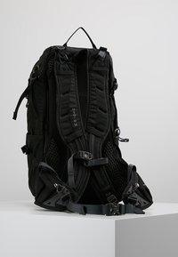 Osprey - SYNCRO 20 - Batoh - black - 2