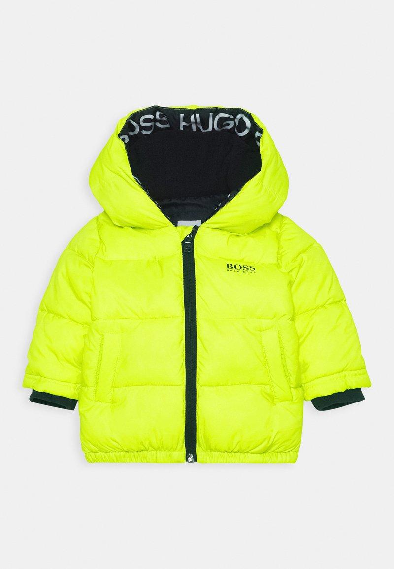 BOSS Kidswear - PUFFER JACKET BABY  - Winter jacket - green lemon