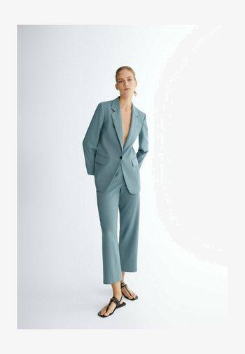 ZIGARETTEN MIT HAHNENTRITTMUSTER  - Pantalon classique - light blue